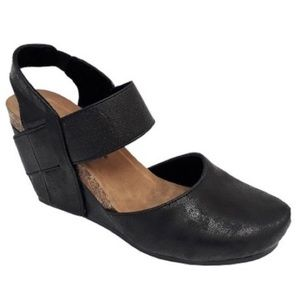 Pierre Dumas Enya Black Closed Toe Wedges